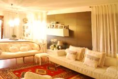 Villetta Elegante con Giardino e Taverna
