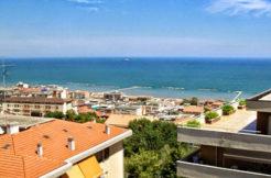 Una cornice sul golfo di Ancona