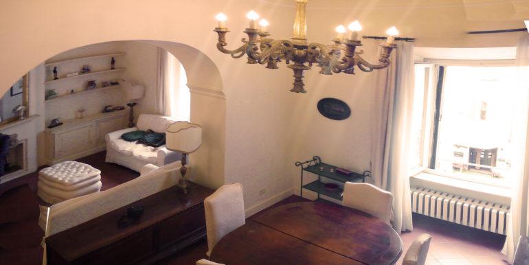 appartamento palazzo storico piazza del papa salone