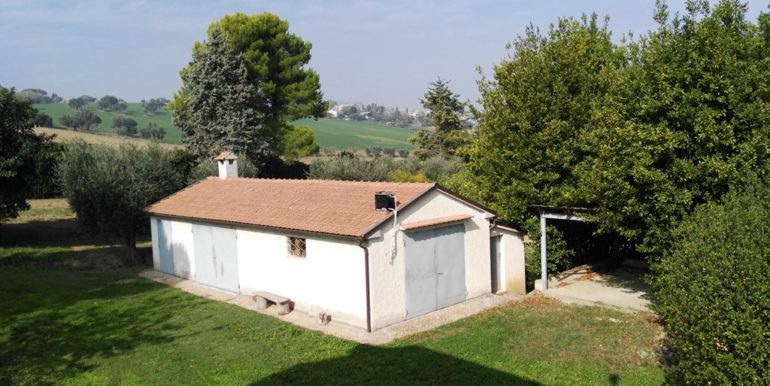 casa colonica terreni annesso