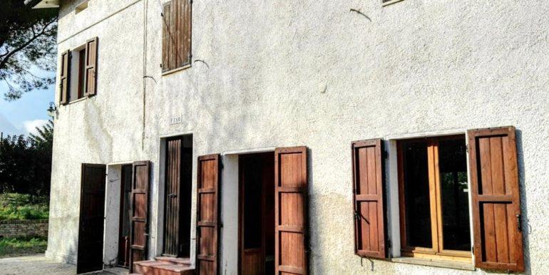casa colonica terreni corte