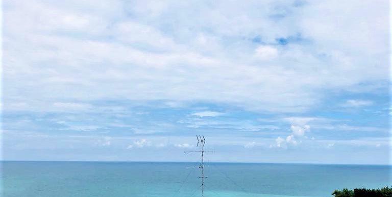 attico con vista panoramica sul mare del passetto