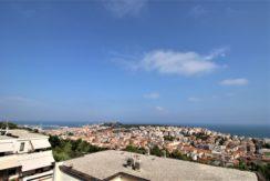Ampio appartamento con garage e terrazzo panoramico, vista aperta su Ancona e sul Golfo