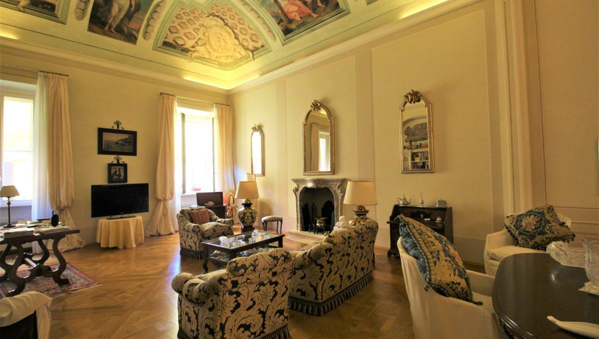 Prestigioso appartamento d'epoca in contesto storico con ascensore nel centro di Ancona