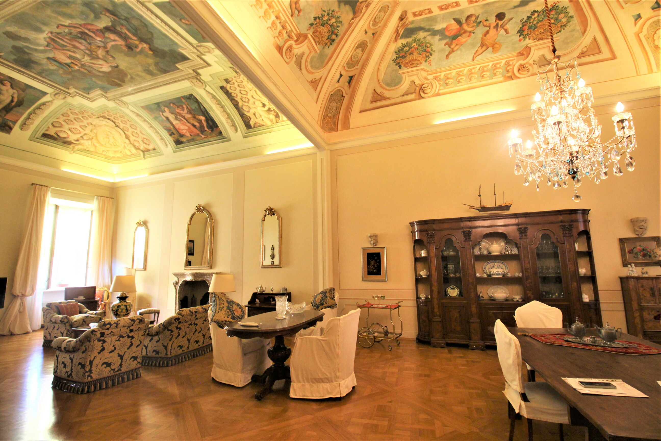 Period apartment in historic building with lift in Ancona city center
