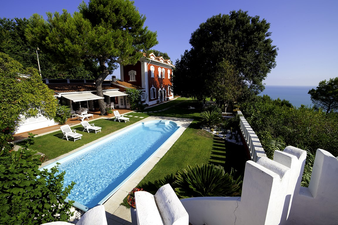 The most beautiful villa with private pool of the Conero Riviera
