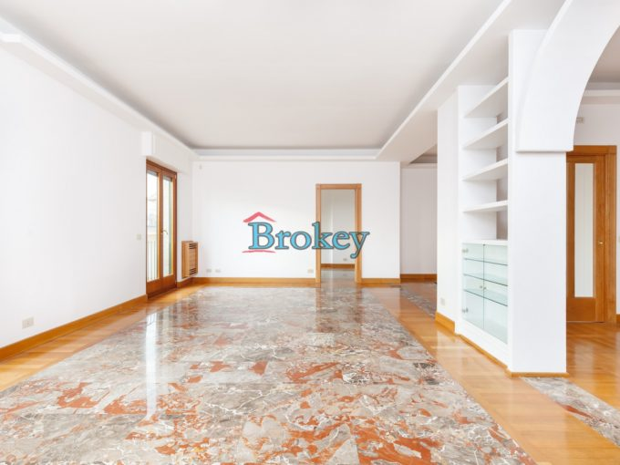 Luxury apartment with garage and sea view in Ancona historic centre
