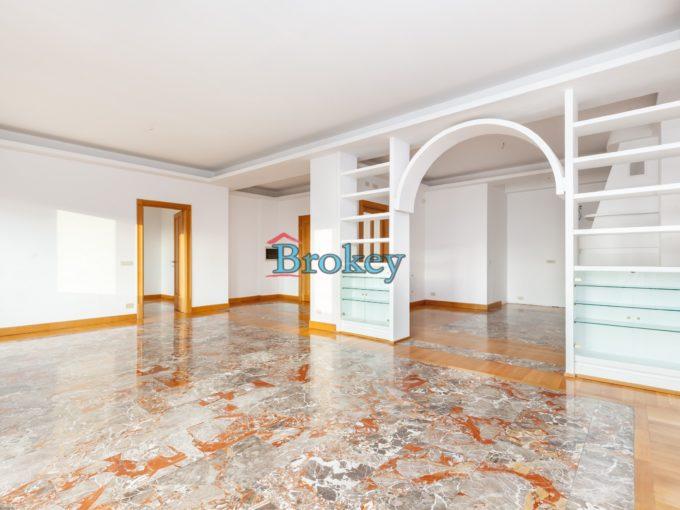 Prestigioso appartamento con posto auto e affacci sul porto nel centro storico di Ancona