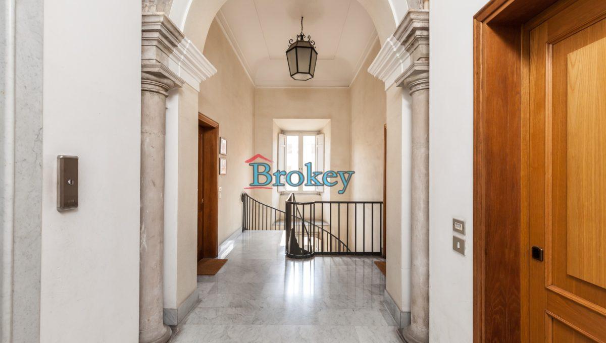 Appartamento di pregio nel Palazzo Nembrini Gonzaga, Piazza del Papa, Ancona centro