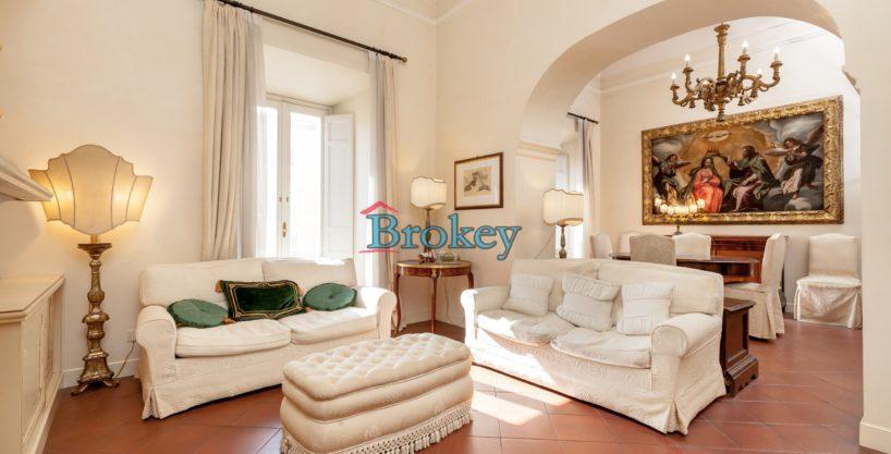 Luxury apartment in Palazzo Nembrini Gonzaga, Piazza del Papa, Ancona city centre