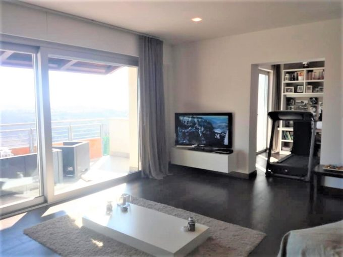 Large panoramic penthouse with garage in Ancona