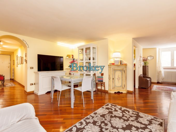 Appartamento signorile e pronto da abitare in contesto storico del centro di Ancona
