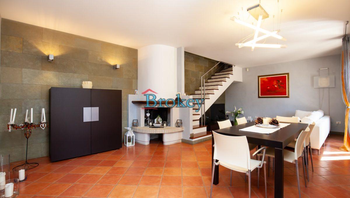 Prestigiosa porzione di bifamiliare con piscina e ampio giardino panoramico ad Ancona, Candia (8)