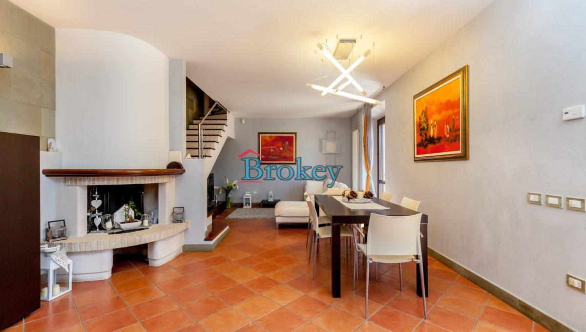 Prestigiosa porzione di bifamiliare con piscina e ampio giardino panoramico ad Ancona, Candia (9)