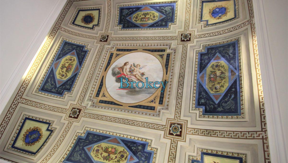 Ultimo piano con ascensore in palazzo storico di Piazza del Papa, Ancona centro (7)