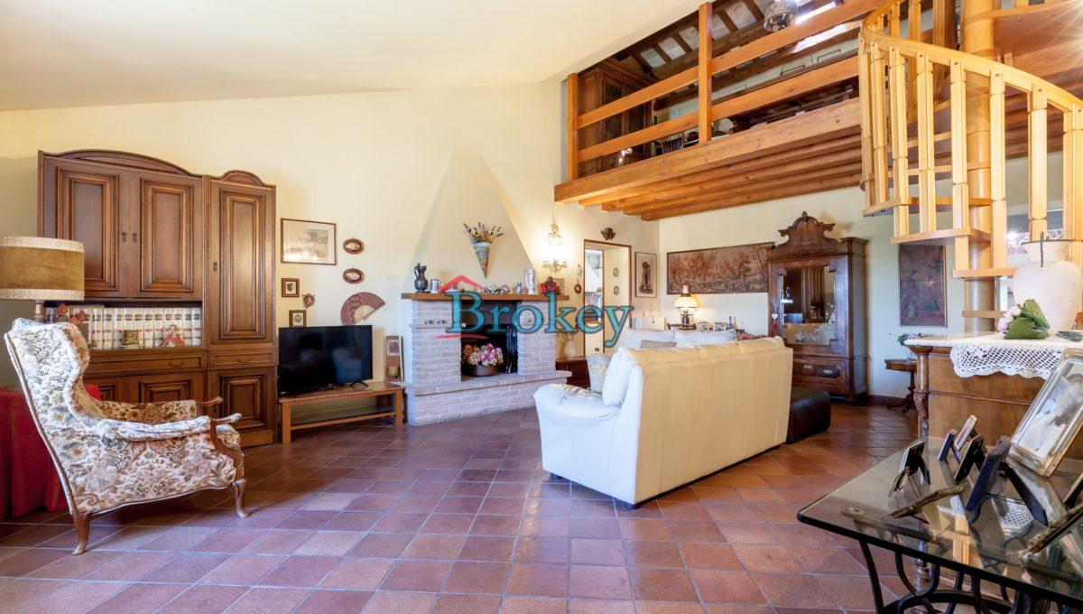 Caratteristico appartamento con ampio giardino, piccolo contesto d'epoca tra Conero, Camerano e Ancona (10)