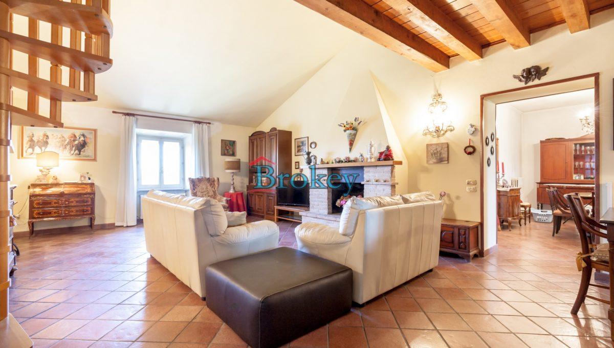 Caratteristico appartamento con ampio giardino, piccolo contesto d'epoca tra Conero, Camerano e Ancona (11)