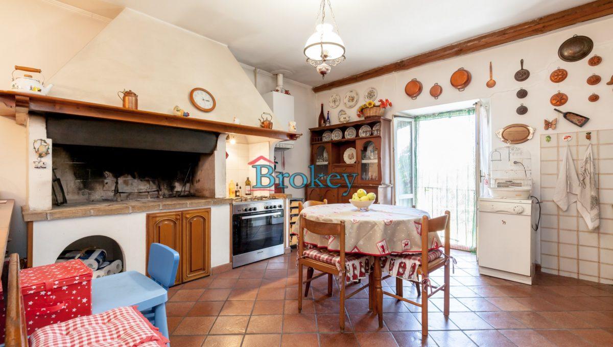 Caratteristico appartamento con ampio giardino, piccolo contesto d'epoca tra Conero, Camerano e Ancona (13)