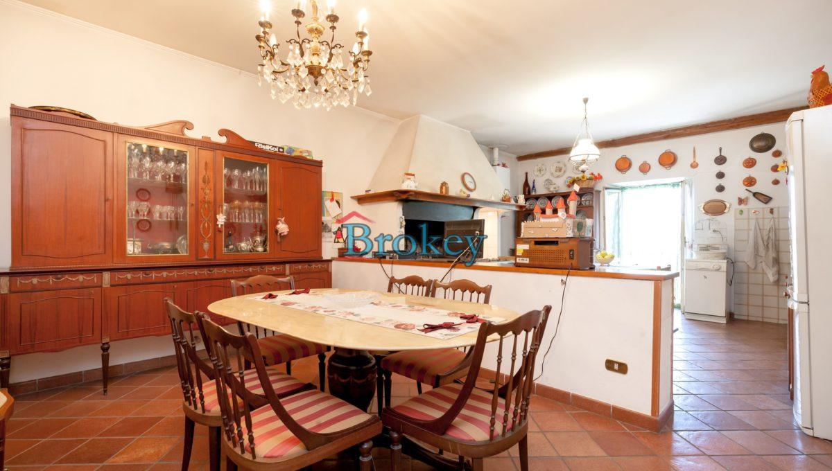 Caratteristico appartamento con ampio giardino, piccolo contesto d'epoca tra Conero, Camerano e Ancona (14)