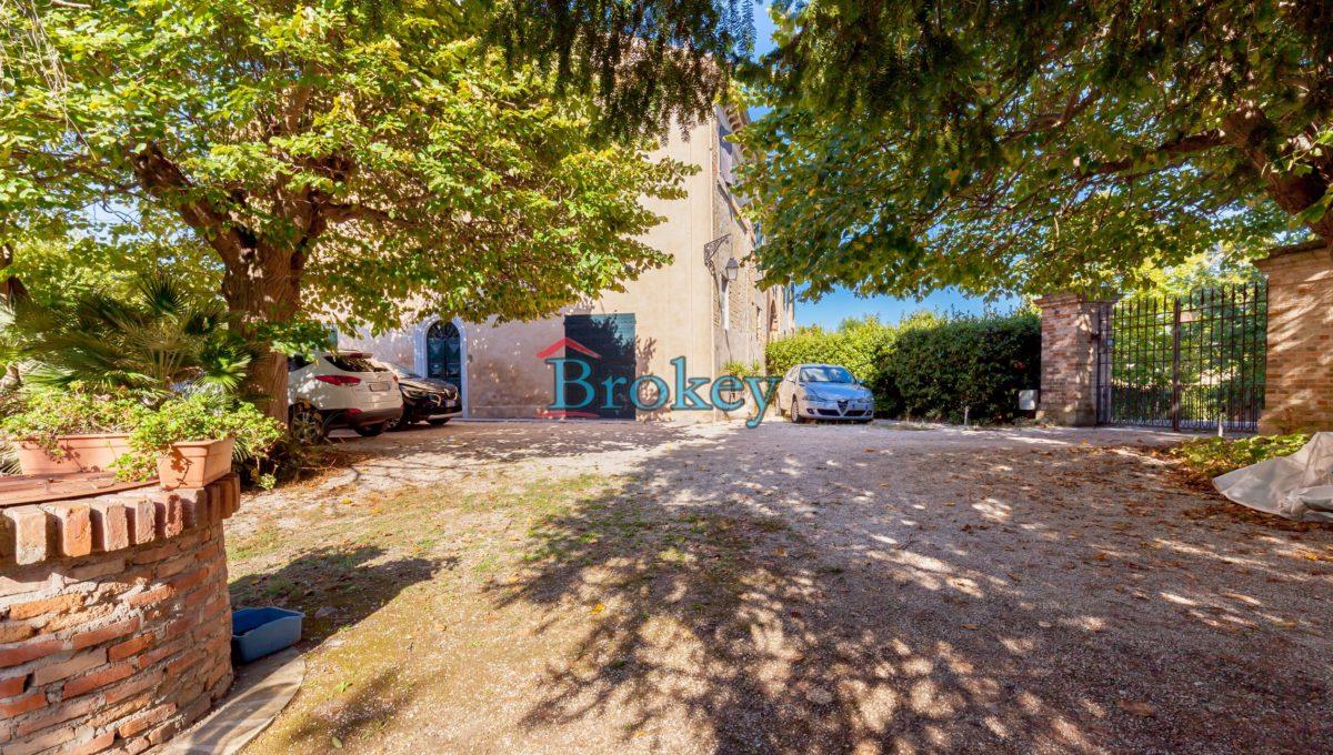 Caratteristico appartamento con ampio giardino, piccolo contesto d'epoca tra Conero, Camerano e Ancona (6)