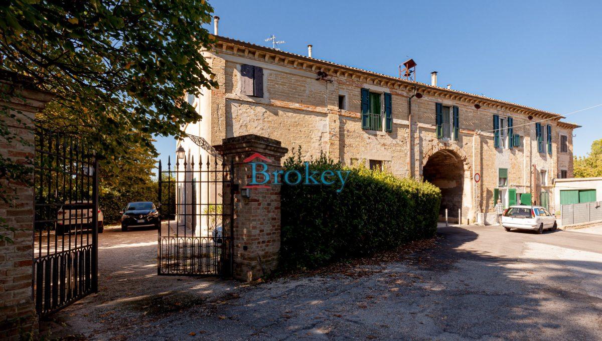 Caratteristico appartamento con ampio giardino, piccolo contesto d'epoca tra Conero, Camerano e Ancona (8)