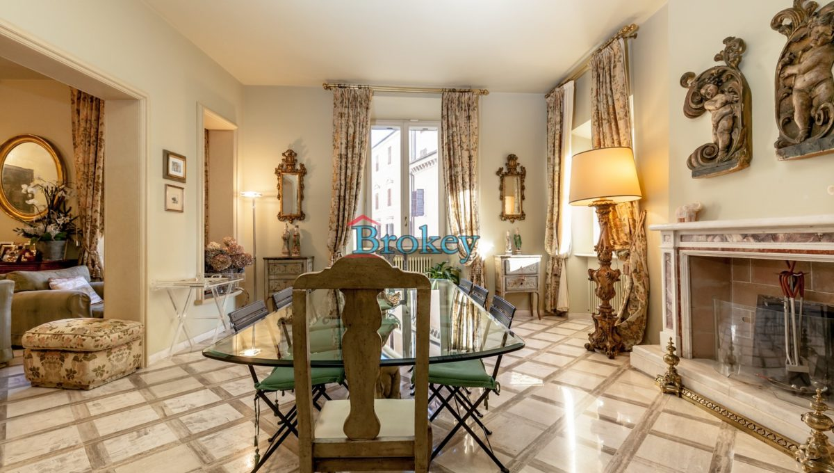 Prestigioso ultimo piano con ampio terrazzo vista mare nel centro storico di Ancona, Piazza San Francesco (8)