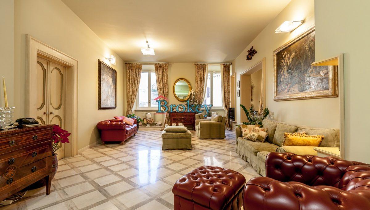 Prestigioso ultimo piano con ampio terrazzo vista mare nel centro storico di Ancona, Piazza San Francesco (9)