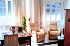 Luminoso appartamento vista mare nel centro di Numana con garage doppio