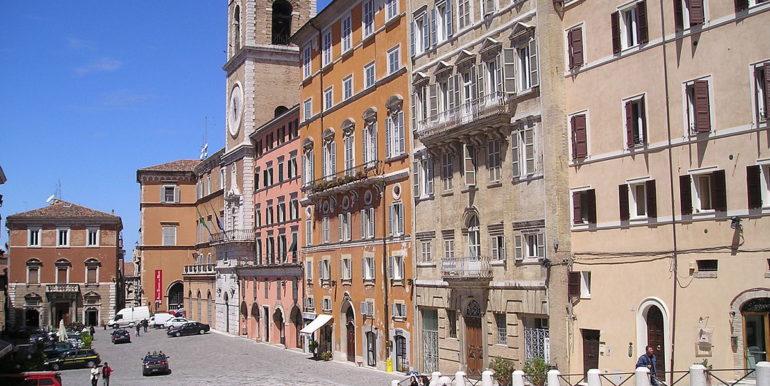 appartamento palazzo storico piazza del papa
