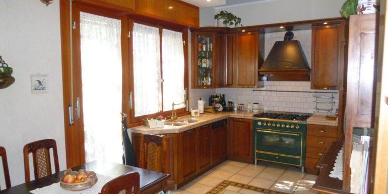 Villetta ristrutturata con vista aperta sul mare e spazi esterni da vivere, Borgo Rodi cucina