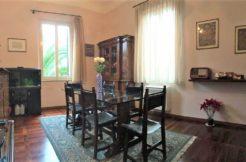 Ampio appartamento ristrutturato con taverna in villa storica nel centro di Falconara