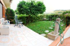 Villetta di testa con giardino e finiture pari a nuovo in zona residenziale, Montedago