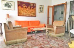Ampio appartamento subito libero in piccola palazzina con ascensore nel centro di Falconara