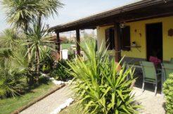 Casa singola di recente costruzione con ampio giardino a Chiaravalle, vicino al centro