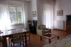 Appartamento in piccolo contesto con terrazzino a Palombina nuova