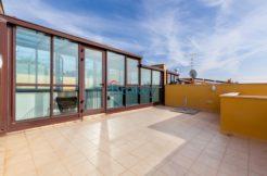 Villetta subito libera con ampio terrazzo sul golfo, solarium panoramico e giardino ad Ancona, Pietralacroce