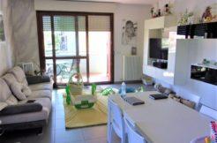 Appartamento semiarredato di recente costruzione con ampi terrazzi e garage a Camerata Picena