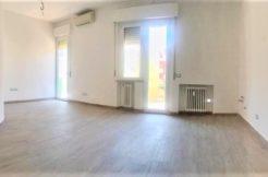 Appartamento ristrutturato nel 2016 subito libero in zona pianeggiante a Falconara, Palombina Vecchia