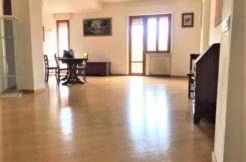 Appartamento ristrutturato di recente e subito libero con garage ad Ancona, Borgo Rodi