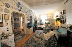 Ampio appartamento di rappresentanza in zona centrale e pianeggiante di Ancona, piccolo contesto signorile