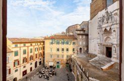 Prestigioso bilocale panoramico subito libero nel centro storico di Ancona, in Piazza San Francesco