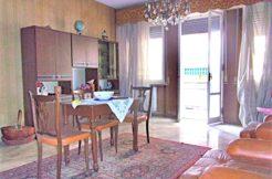 Ampio appartamento con ascensore e posto auto a Falconara, possibilità di 2 unità abitative