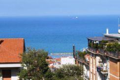 Appartamento ultimo piano in ottima zona con fantastica vista mare