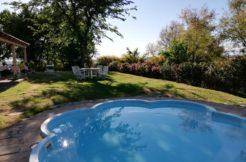 Casa singola con piscina, ampio giardino e vista panoramica a Polverigi, subito libera