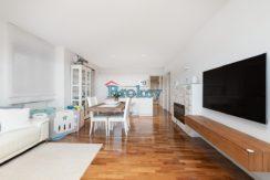 Appartamento pari a nuovo con corte esterna di 60 mq, garage e ascensore in piccolo contesto, Ancona Montedago